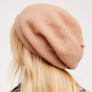 FREE PEOPLE WOOL BISOUS SLOUCHY BERET HAT